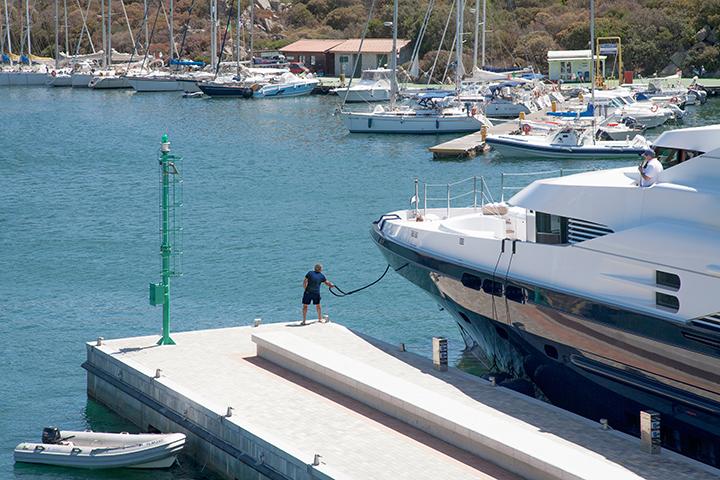 servizi ormeggio - porto santa teresa gallura